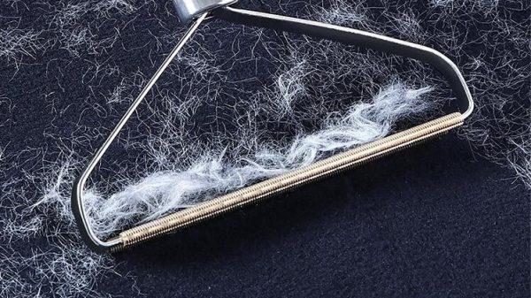 alat pembersih kain dan baju dari bulu binatang seperti anjing dan kucing