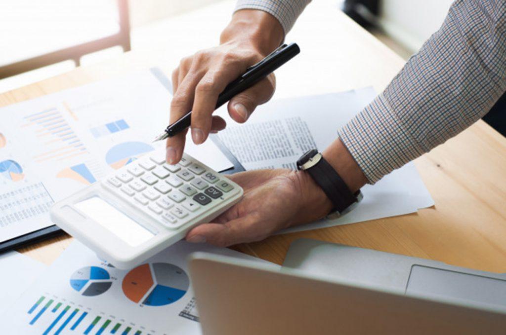 memahami pentingnya analisa operating margin dari laporan laba rugi perusahaan publik agar dapat mengetahui perubahan harga sahamnya